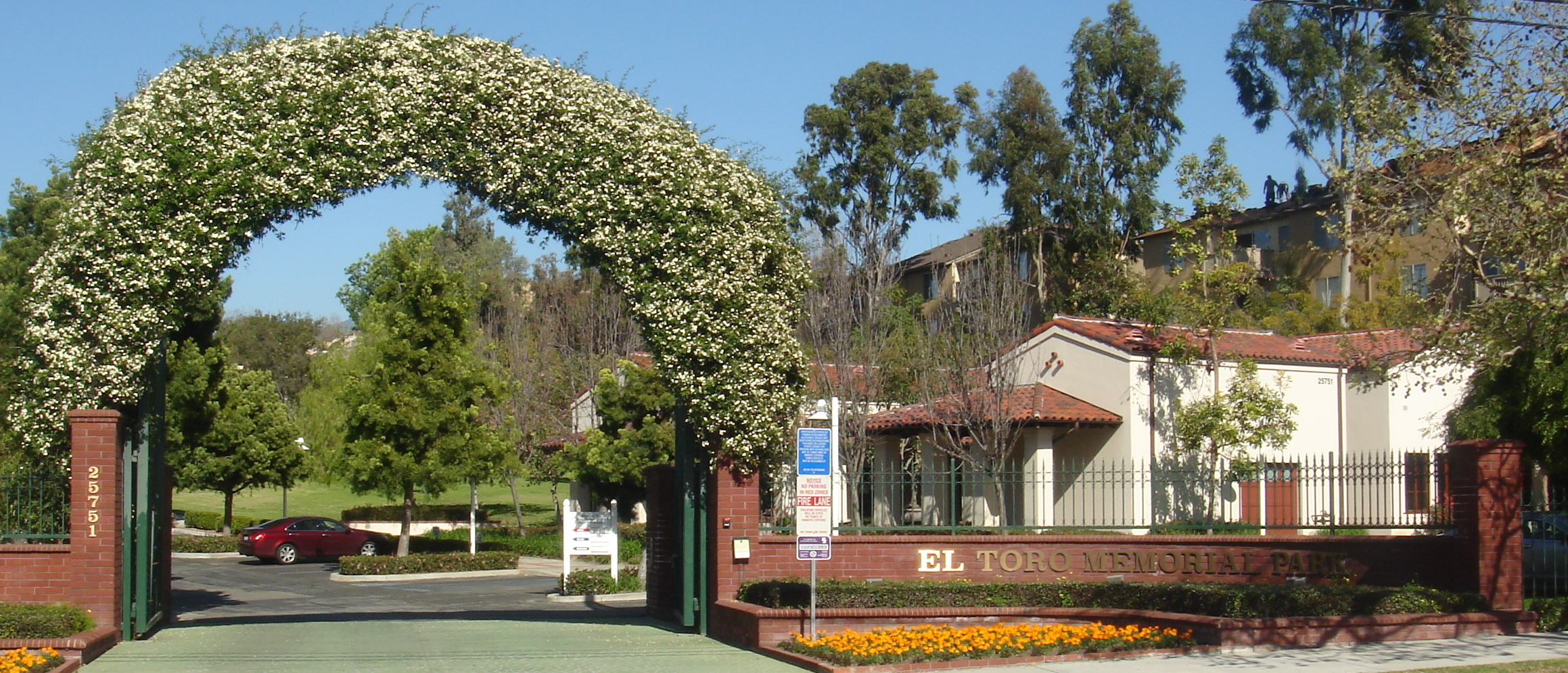 Photo of entrance to El Toro Memorial Park